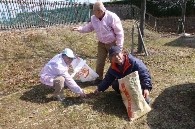 14,02,23桜の木寒肥事業P1020002
